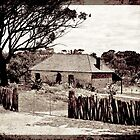 Arthur River Farmhouse2 by pennyswork