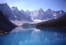 Valley of the Ten Peaks by hummingbirds