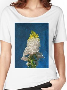 White Foxglove flowers on texture Women's Relaxed Fit T-Shirt