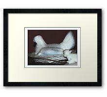 Hennetjie oppie nes Framed Print