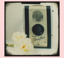 Floral Duaflex, vintage camera Baby Tee