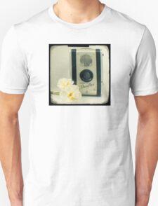 Floral Duaflex, vintage camera T-Shirt