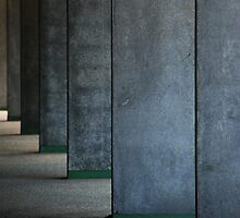 urban lined up by Annemie Hiele