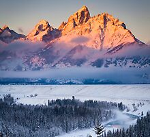 Sunrise on the Teton Mountains by cavaroc