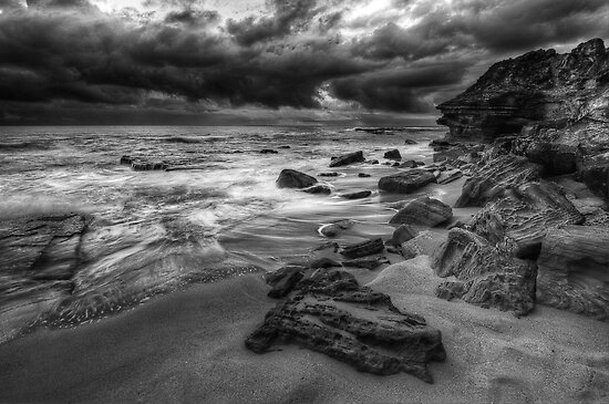 Turimetta Moody Mono by Ian English