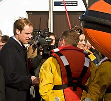Prince William and Catherine meet the crew. by ten2eight