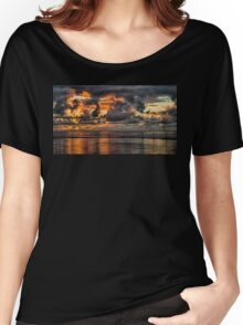 Sunrise in Cronulla Women's Relaxed Fit T-Shirt