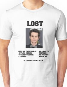 LOST POSTER - DYLAN O'BRIEN Unisex T-Shirt