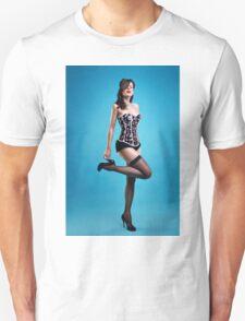"""""""Strike a pose"""" Pin up Girl  T-Shirt"""