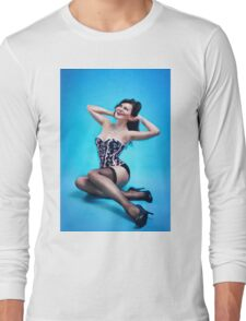 Retro Pin up Girl  Long Sleeve T-Shirt
