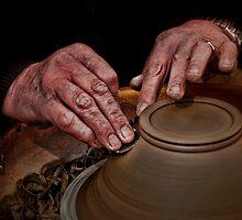 Throwing a pot by Sunsetsim