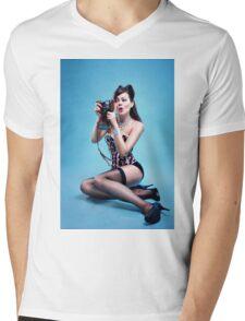 """Freeze"" Pin up Girl  Mens V-Neck T-Shirt"