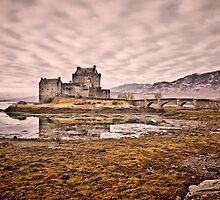 Eilean Donan Castle by vishta