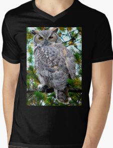 "Grey Horned Owl  ""Who Who Do I see?"" Mens V-Neck T-Shirt"