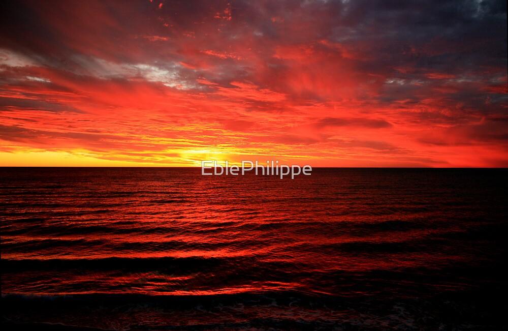 Sunset over Brighton beach by EblePhilippe