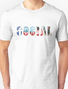 Social networks addicted !! T-Shirt