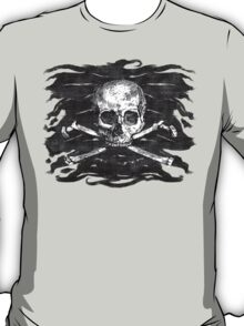 Old Crossbones Skull Pirate Flag T-Shirt
