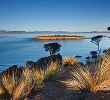 Spectacle Island, Dodges Ferry, Tasmania by Chris Cobern