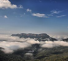 MT SOLITARY - BLUE MOUNTAINS AUSTRALIA by Bev Woodman