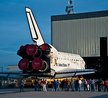 STS-133 Rollover, Discovery by Per Hansen