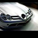 Mercedes at speed..standing still by wilkor
