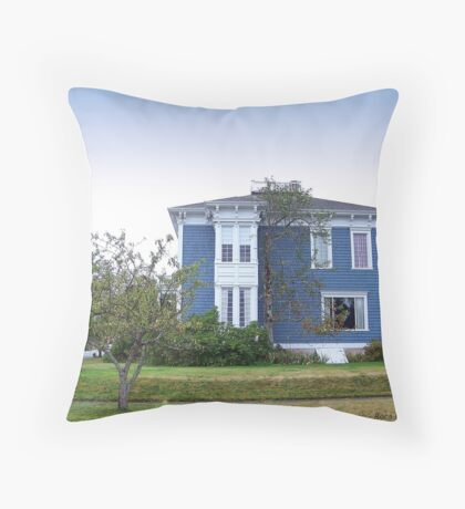 PT Victorian Home Throw Pillow