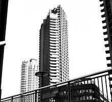 LONDON TRIP 35MM PT5 by Redtempa