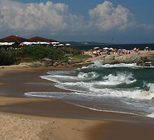Tocolandia Beach, Costa Azul by Guilherme Milner