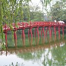 Red Huc bridge by machka