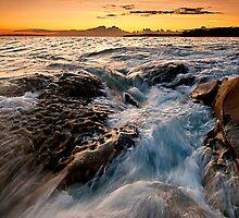 Bundeena dawn by Geraldine Lefoe