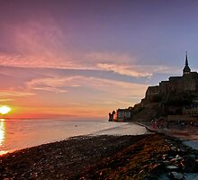 Le Mont Saint Michel - Sunset by James  Key