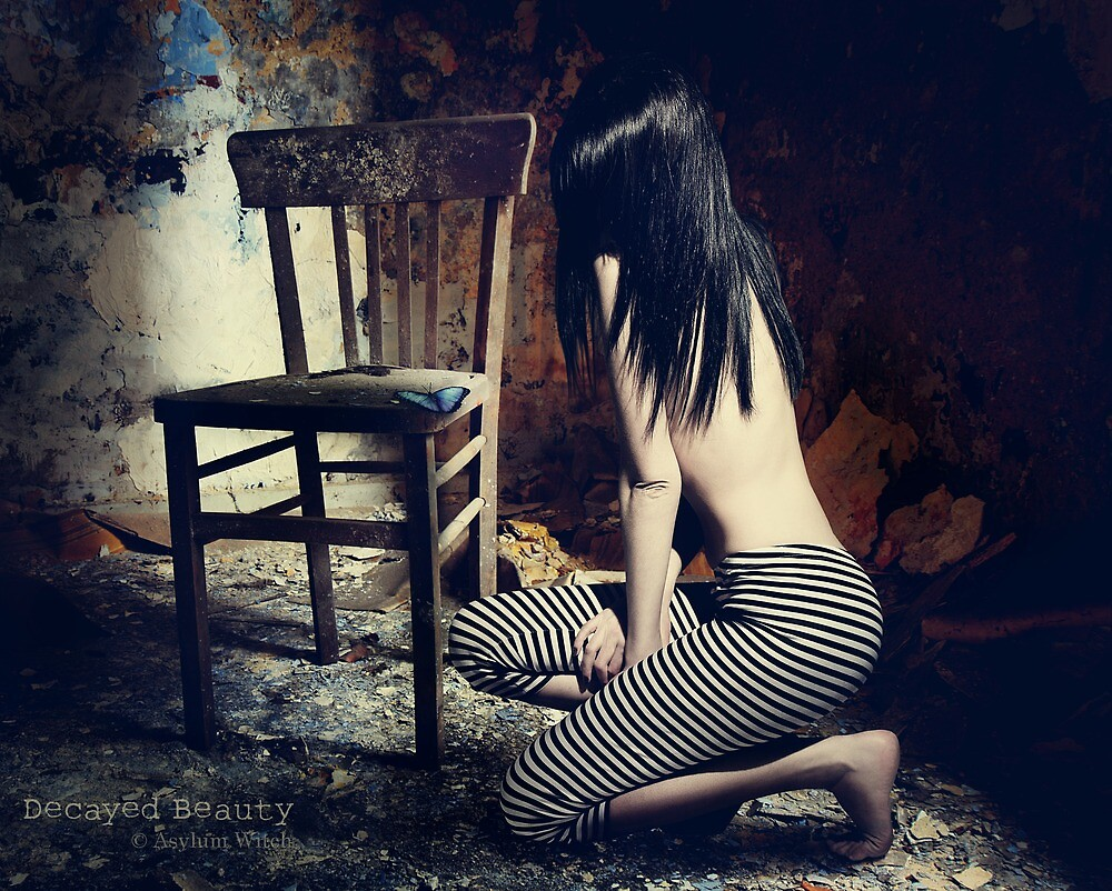 Decayed Beauty by AsylumWitch