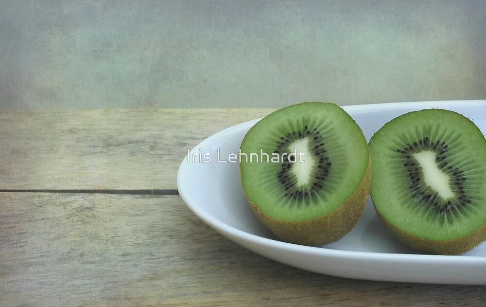 Kiwi fruit by Iris Lehnhardt