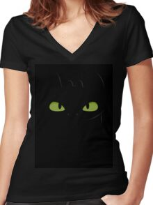 Toothless Women's Fitted V-Neck T-Shirt