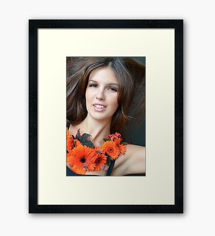 """""""Life is too short, so kiss slowly, laugh insanely, love truly and forgive quickly.""""   Framed Print"""