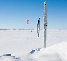 Snowsurfer at Nallikari by Nnebr