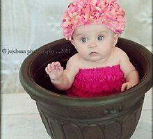 The Prettiest Flower by jujubean