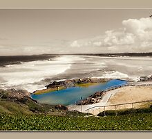 sawtell rock pool  by kevin chippindall