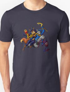 Sly and Carmelita - Opposite's Attract  T-Shirt