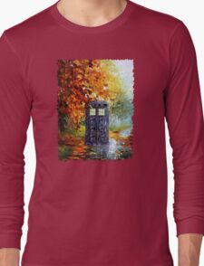Autumn British Blue phone box painting Long Sleeve T-Shirt