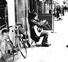 Street singer and bike by ulryka