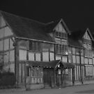 b&w birth place trust house by yampy