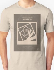 No243 My Memento minimal movie poster T-Shirt