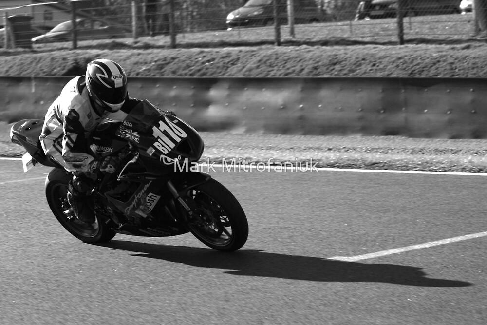 Matt Billington 110 mygosh-Triumph @155mph by Mark Mitrofaniuk