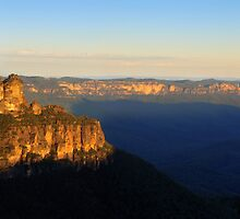 Three Sisters, Katoomba, NSW. by Andy Newman