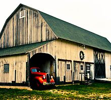 ANTIQUE BARN AND TRUCK by NotYourAvgJoe
