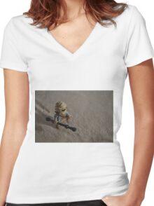 Sandstorm on Jakku Women's Fitted V-Neck T-Shirt