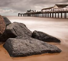 Southwold Beach and Pier, Suffolk by DaveTurner