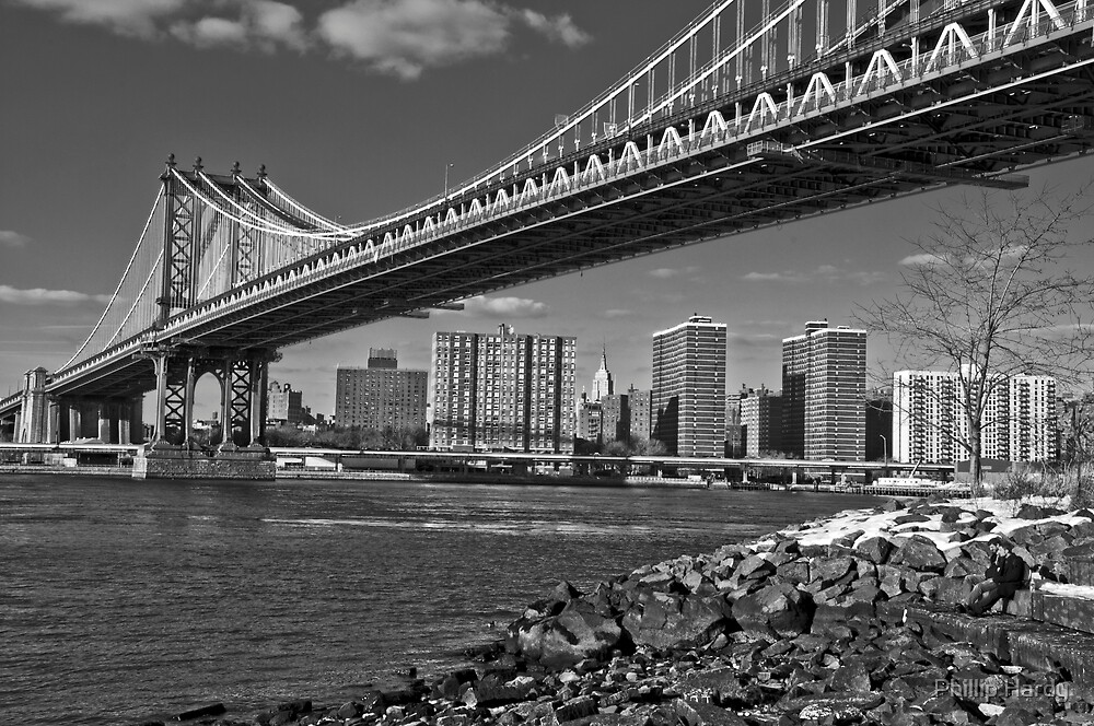 Manhattan Bridge by Phillip Hardy