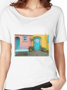 The colours of Portmeirion Women's Relaxed Fit T-Shirt